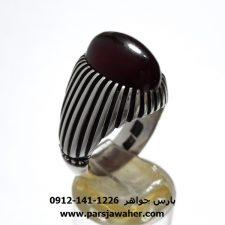انگشتر عقیق آلبالویی تیره یمن f437.1