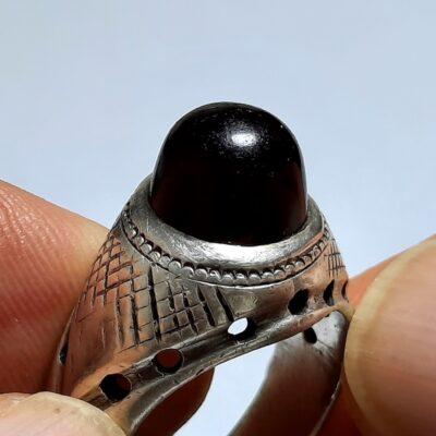 انگشتر مردانه عقیق آلبالویی یمن a444.1
