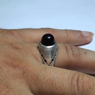 انگشتر مردانه عقیق آلبالویی یمن a444.6