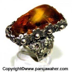 انگشتر نقره با سنگ کهربای اصل