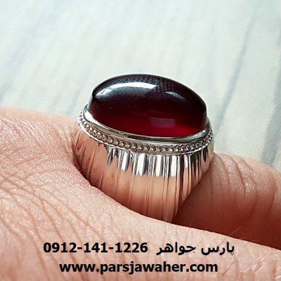 انگشتر عقیق سرخ آلبالویی یمنی فدیوم f192
