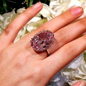 گرانترین انگشتر دنیا با الماس صورتی