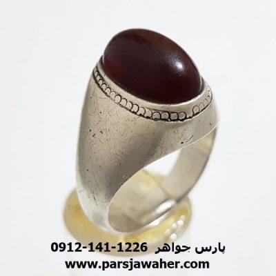 انگشتر قديمي عقيق آلبالويي يمني f392