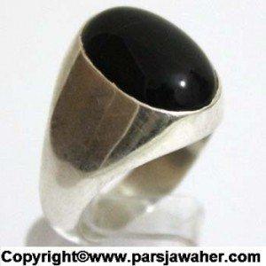 انگشتر با سنگ عقیق سیاه و تیره