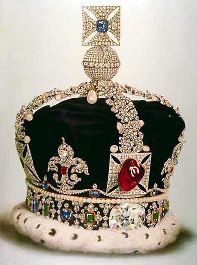 تاج سلطنتی با جواهرات زیبا