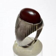 انگشتر قدیمی جزع سرخ تیره یمانی a476