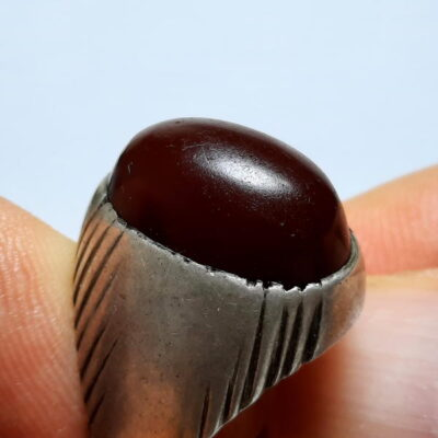انگشتر قدیمی جزع سرخ تیره یمانی a476.1