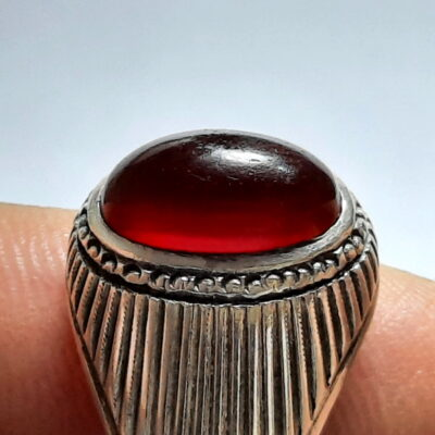 انگشتر عقیق سرخ تیره یمن f494.2