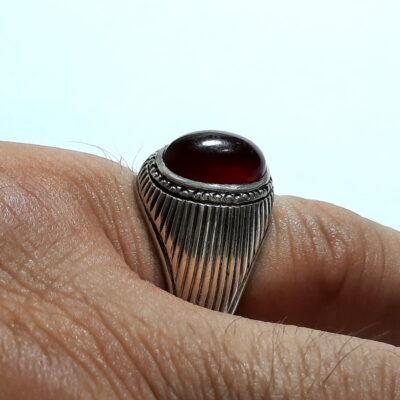 انگشتر عقیق سرخ تیره یمن f494.5