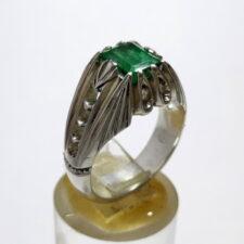 انگشتر نقره زمرد پنجشیر f506