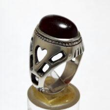 انگشتر قدیمی عقیق آلبالویی f512