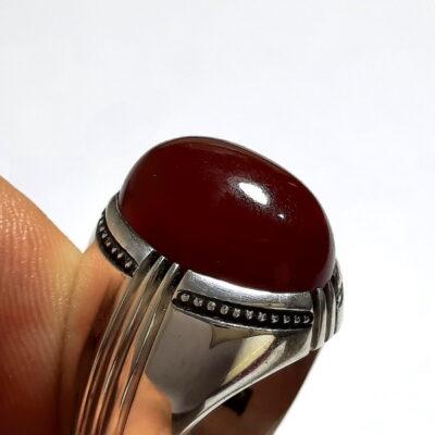 انگشتر جزع سرخ تیره یمانی f520_1