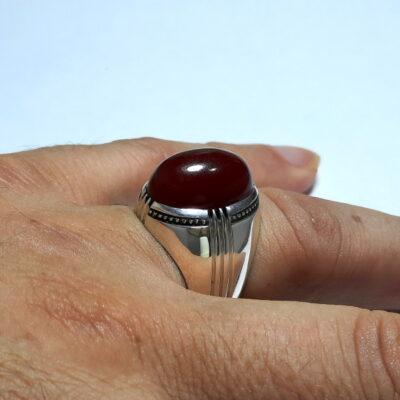 انگشتر جزع سرخ تیره یمانی f520_3