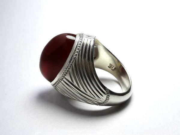 انگشتر جزع سرخ تیره یمانی f522_1