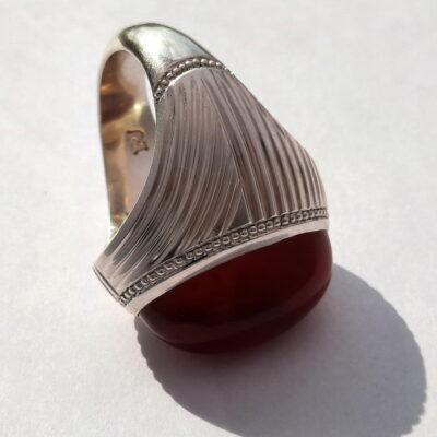 انگشتر جزع سرخ تیره یمانی f522_3