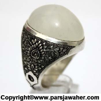 انگشتر عقیق سفید یمنی قلم زنی 1071