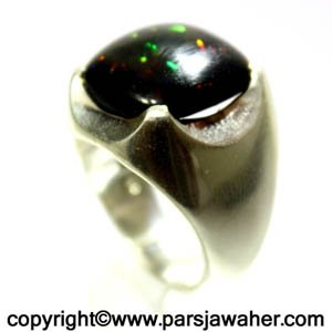 انگشتر اوپال سیاه نگین خوشرنگ