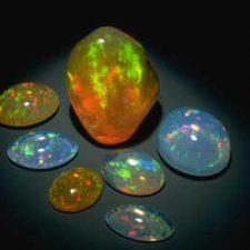 انواع کریستالهای طبیعی از اپال